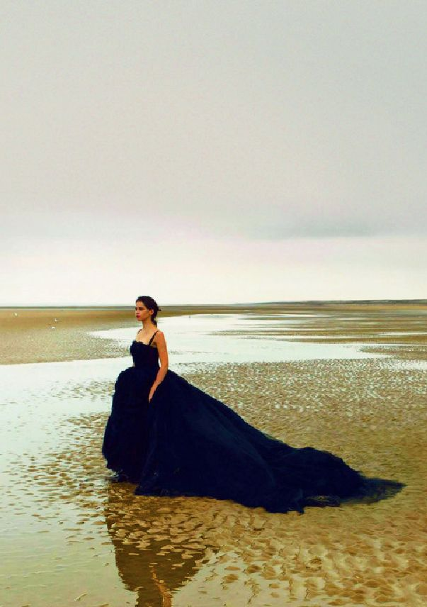 Felicity Jones by Annie Leibovitz for Vogue US, January 2014
