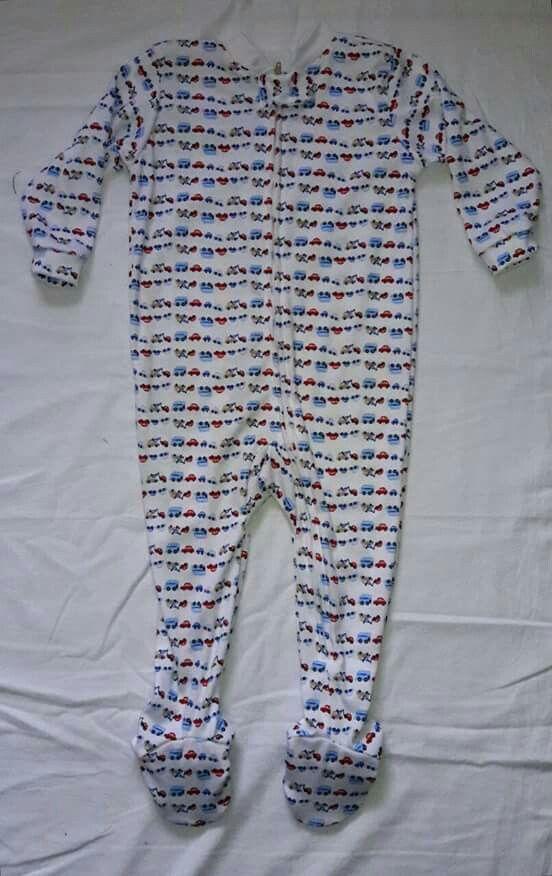 Pijama talla 4 con piecito