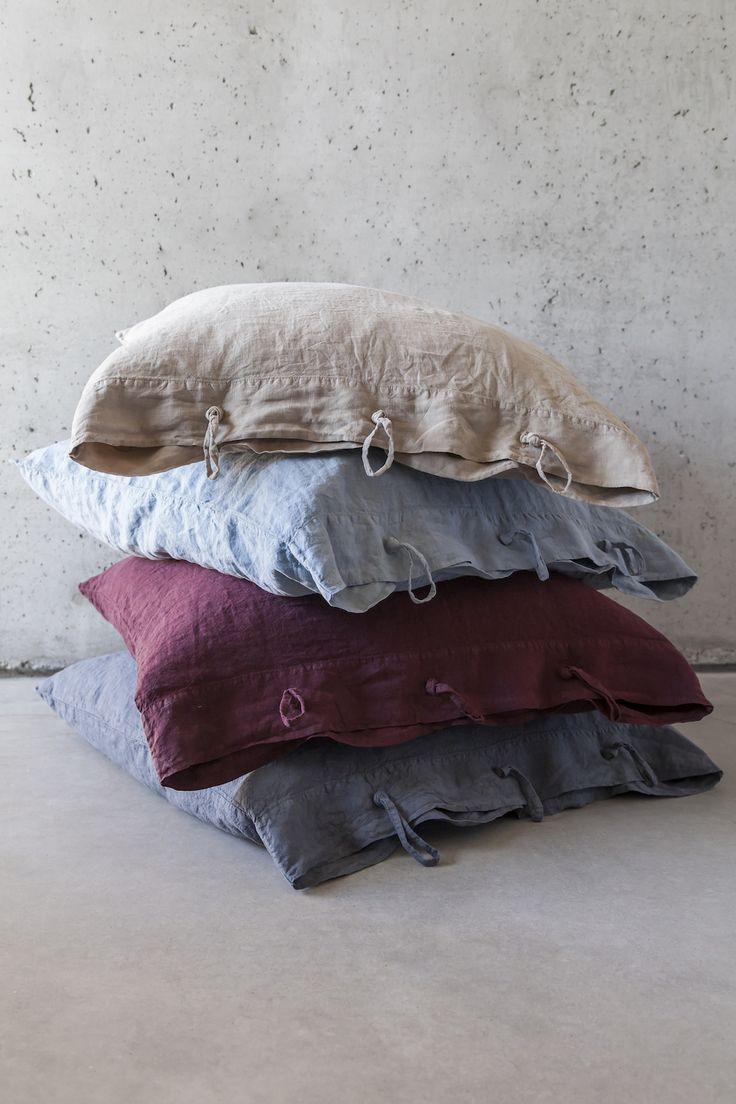 100% linen pillowcases. No need to iron. Matching fitted sheets and duvet covers.