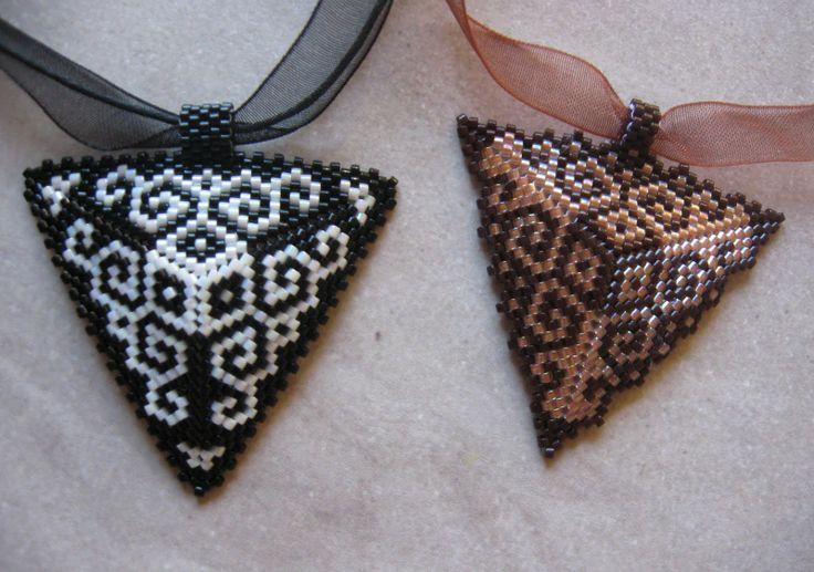 KIKI beads: Peyote Triangle Variations - pendants