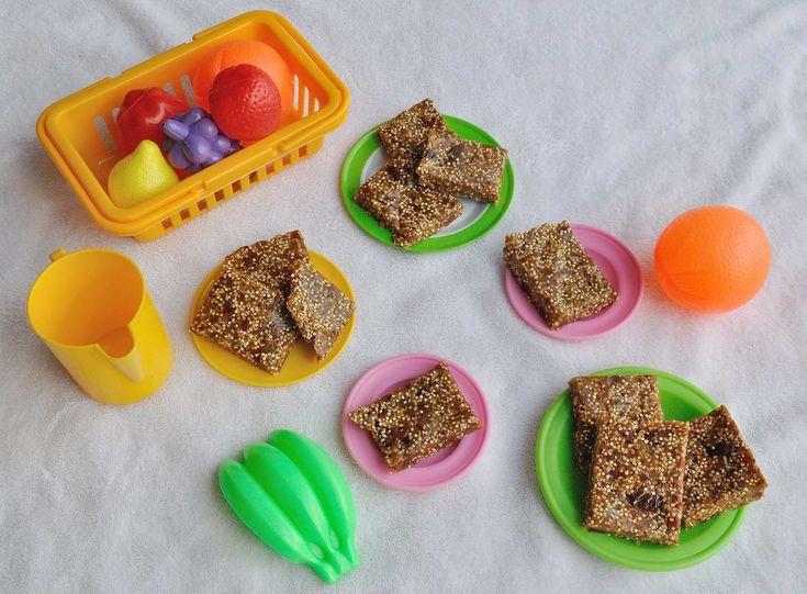 Dates and puffed quinoa larabars