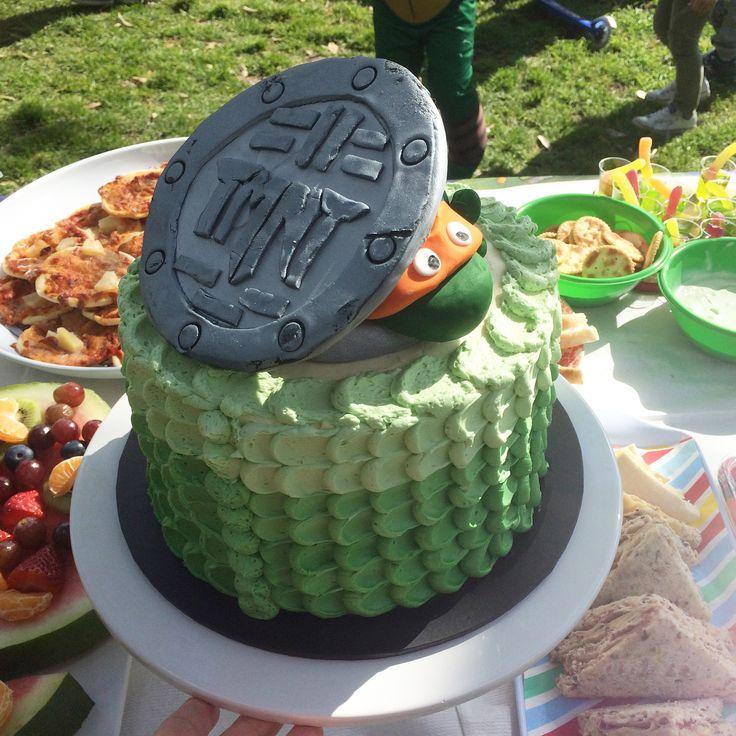 Teenage Mutant Ninja Turtle birthday cake by Little Pudding