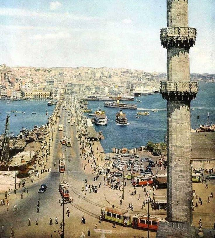 Bir zamanlar ISTANBUL, 1952 yılında Yeni Cami Minaresinden Eminönü ve Galata Köprüsü