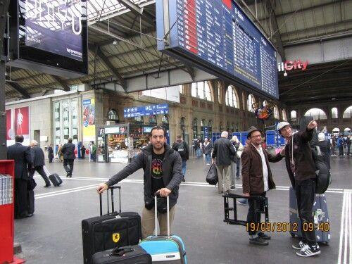 En la estación de Zurich, Llegando desde París ( Zürich HB )