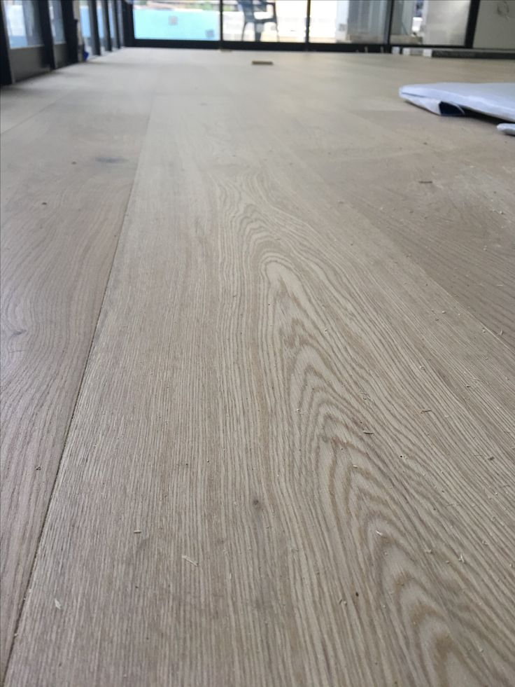 Royal Oak Engineered Boards looking the biz. Still drying underneath so yet to be walked on ❤️