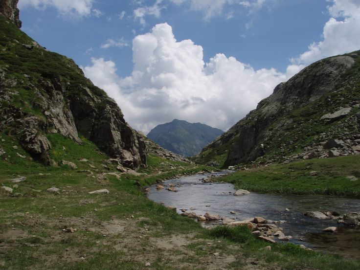 Valle Vogna: Alagna Valsesia, trekking and walking holidays.  #trekking #outdoor #Piemonte #Valsesia #mountain #montagna #walk #nature #travel #Italy