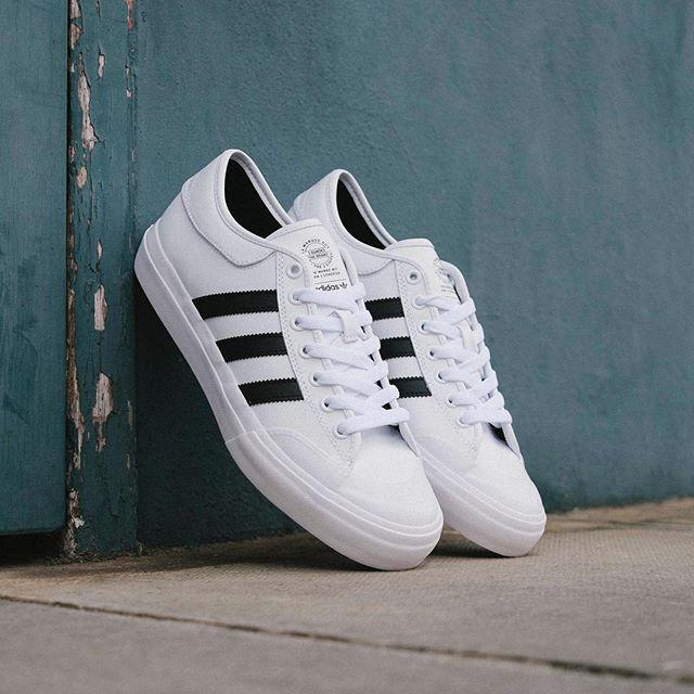 Planche À Roulettes Adidas Matchcourt Triple Formateurs Blanc - Blanc Adidas 38QGL