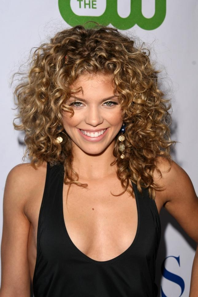 great hair, layered curls- AnnaLynne McCord