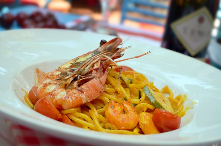 Spaghetti all'Gamberi (jumbo shrimps, zucchini, saffron)