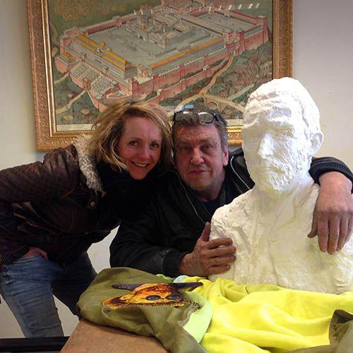 <p>Wat een dag! In alle vroegte gingen Marjon en ik vanmorgen op weg naar Rob Scholte en zijn Museum. Met Vincent in de gordels op de achterbank. Op naarDen Helder, want daar is het museum van Rob gevestigd. In het oude postkantoor,waar hij ook nog eens woont en werkt. En …</p>