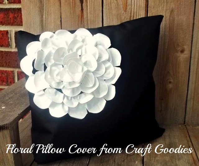 Floral Pillow Cover {tutorial}.: Covers Crafts Goodies, Floral Pillows, Diy Flowers, Cool Pillows, Diy Crafts, Csi Projects, Covercraft Goodies, Pillows Covers Crafts, Pretty Flowers