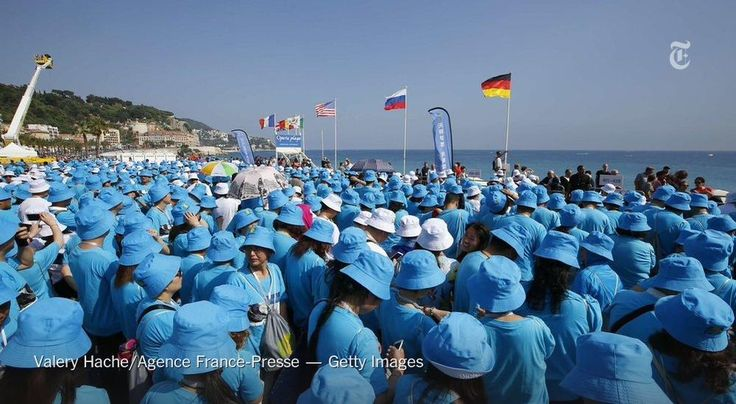 The boss of a Chinese company took employees on a trip to France — more than 6,000 of them http://nyti.ms/1Iwvlma