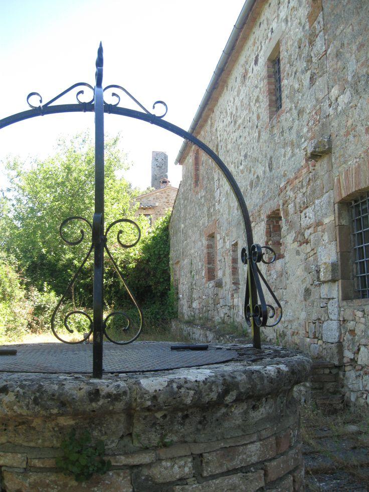 Crevole, la rocca dalle case del villaggio