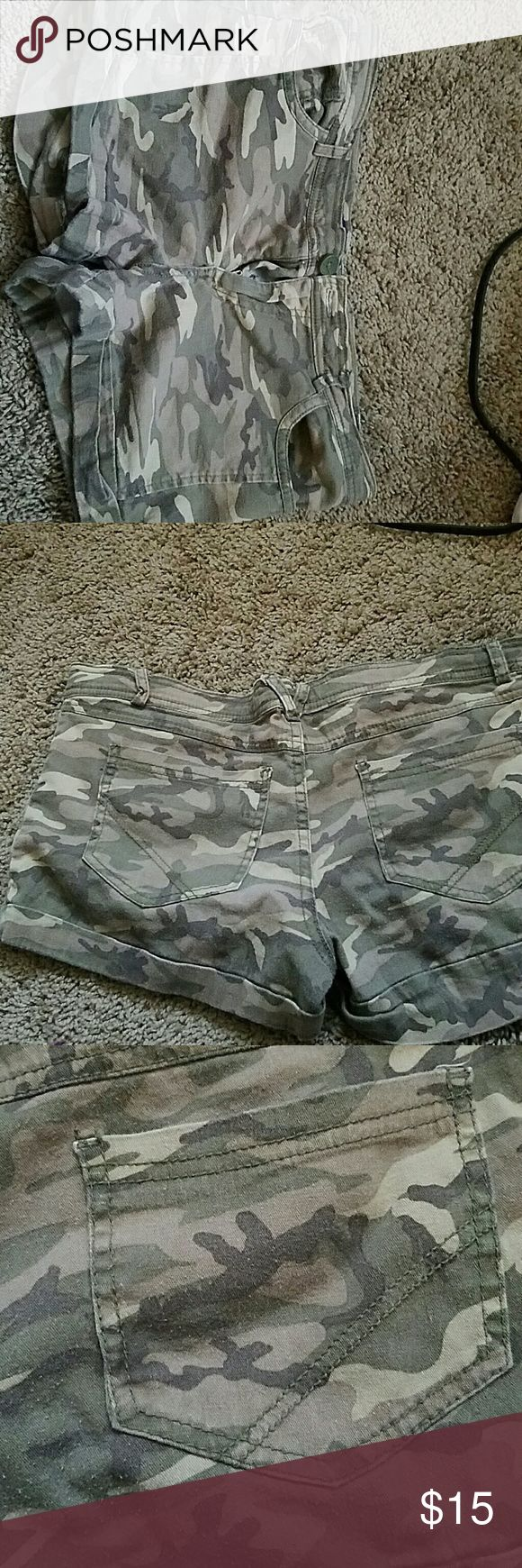 Miley Cyrus camo shorts size 13 (jrs) Camouflage shorts. Gently worn Miley Cyrus max Shorts