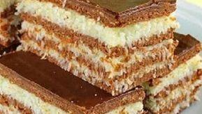 Kokosowe warstwowe ciasto bez pieczenia to spełnienie marzeń każdego łasucha!