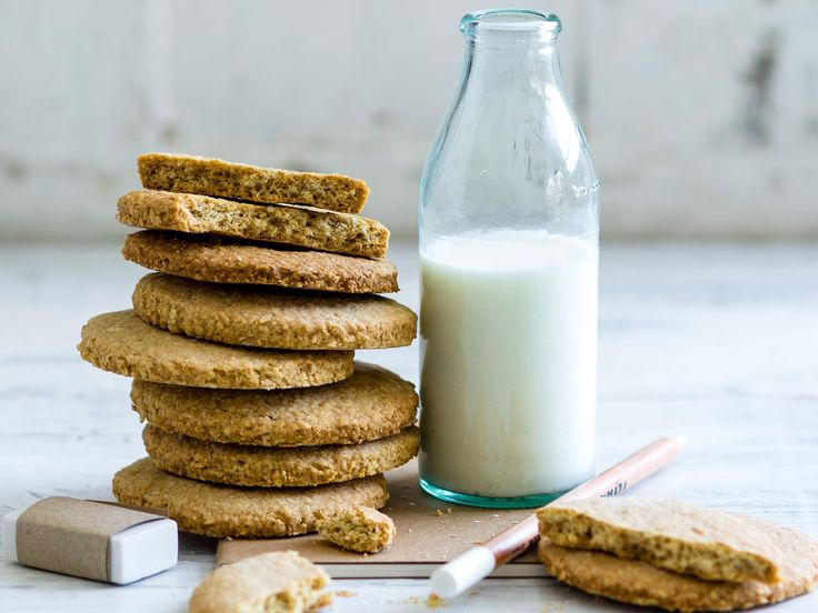 These oat and bran biscuits are a scrumptious way to get a bit of fibre into your diet.