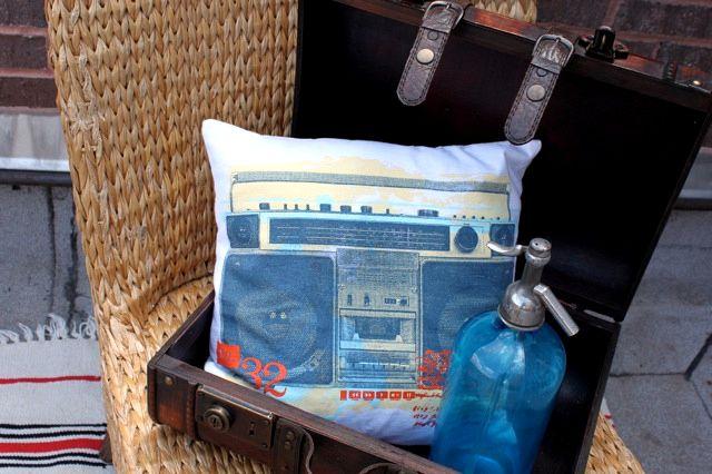 t-shirt pillow: Inspiration, Crafty, Sewing Ideas, T Shirts, Tshirt, Craft Ideas, Diy, Pillows