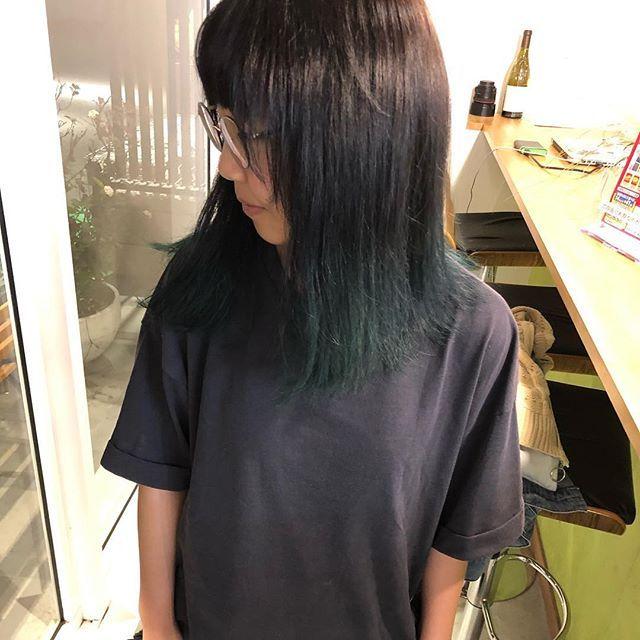 ブルーグリーン ヘアスタイルで生活を楽しく鮮やかに彩りを加えて