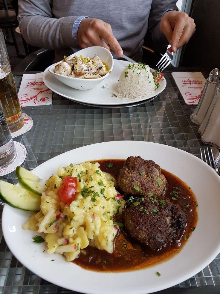 Fleischpfanzerl im Cafe Münchner Freiheit in München. Lust Restaurants zu testen und Bewirtungskosten zurück erstatten lassen? https://www.testando.de/so-funktionierts
