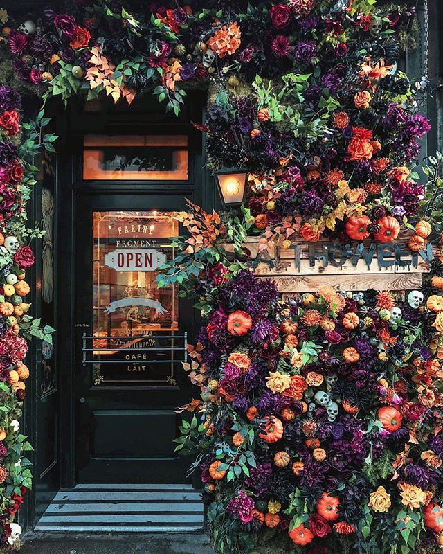 This London bakery has been covered in Autumn beau…
