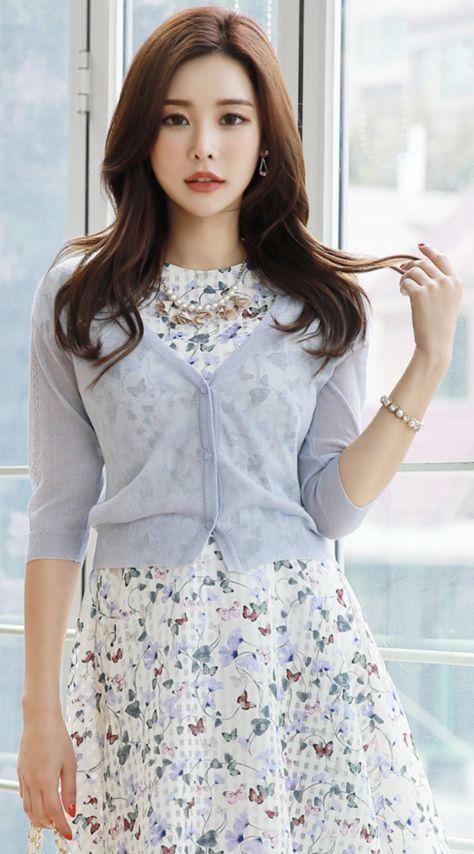 StyleOnme_Back Lace Motif Sheer V-Neck Cardigan #lace #sheer #cardigan #feminine #koreanfashion #kstyle #kfashion #springtrend #dailylook