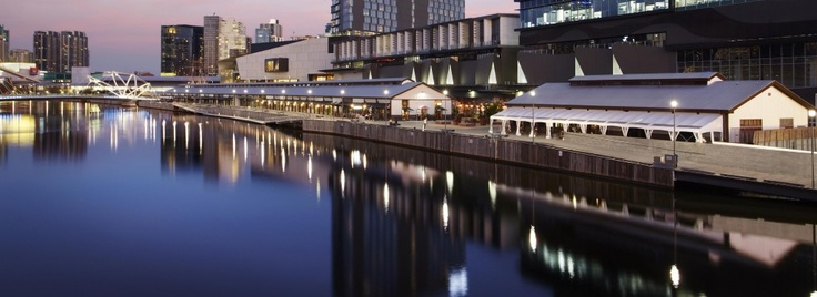 Showtime from the river #swpromenade #melbourne #events