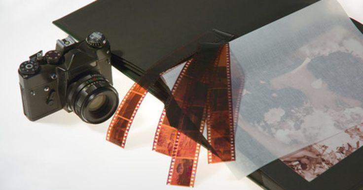 """Instrucciones gratuitas para la cámara Canon AE-1 Program y su objetivo de 50mm. Si bien Canon la produjo originalmente en 1981, el modelo AE-1 Program, se encuentra entre las cámaras réflex de único objetivo (SLR) más populares. Asimismo, es la culminación de la serie """"A"""", que abarca todas las características disponibles de la original AE-1 (1976) a la A-1 (1978). Un exacto y rápido montaje de la lente FD 50mm f/1.8 se ha ..."""