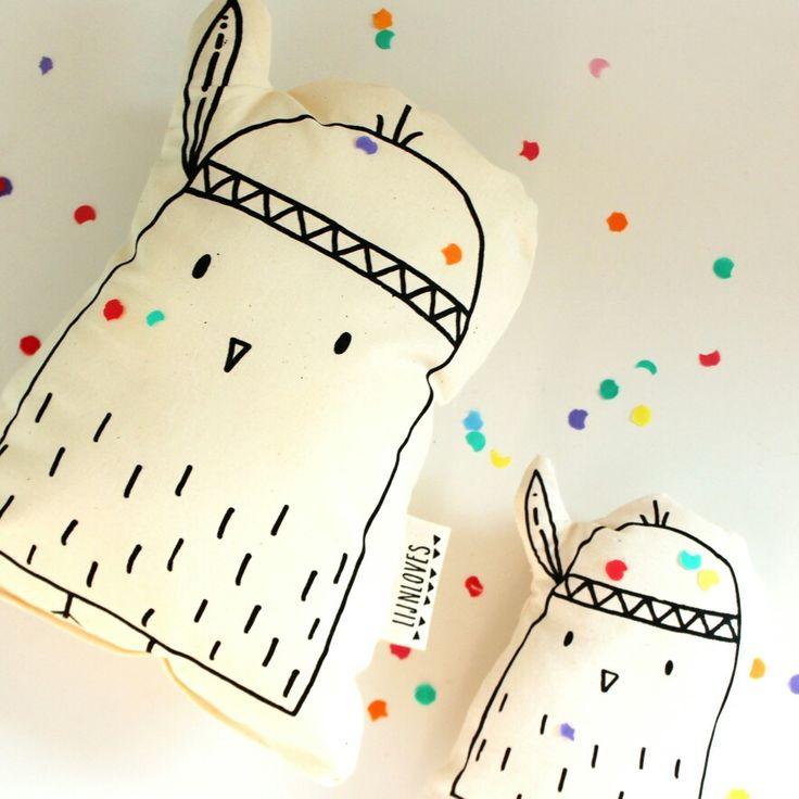 Lijnloves ♡ Kuikentje met veer knuffel; gemaakt van bio-katoen en bedrukt met eco-vriendelijke inkt. www.kinderwonderland.nl/lijnloves