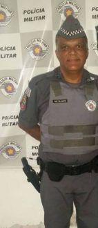 Policial Militar morre em acidente de moto na SP-255 -     Um sargento da Polícia Militar (PM) morreu, na noite desta terça-feira (18), em decorrência de um acidente registrado na rodovia Comandante João Ribeiro de Barros (SP-225), próximo ao pedágio, em Pederneiras.  Eriovaldo Conceição dos Santos, 48 anos, era comandante do Grupamento da  - http://acontecebotucatu.com.br/regiao/policial-militar-morre-em-acidente-de-moto-na-sp-255/