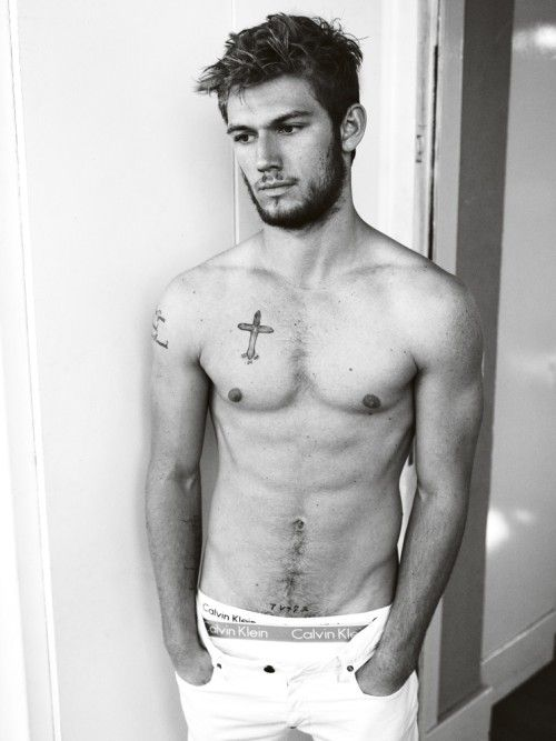 I NEVER repin hot guys... but just this one time I had to because I would do Christian Gray-ish things to Alex Pettyfer...