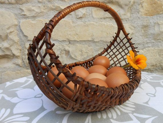Vintage French basket, gondola shape, egg basket
