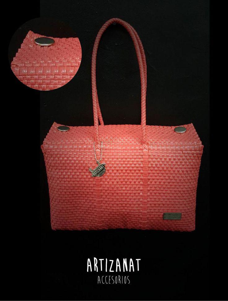 Lleva tus accesorios en este bolso artesanal hecho a mano ¿ya sabes qué tamaño lo necesitas?