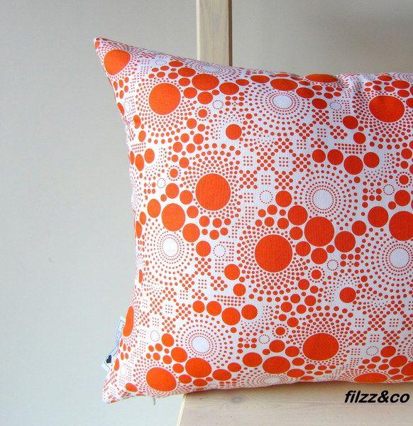 Kissen Dekokissen Kissenbezug 40x60 Orange  von filzz & co auf DaWanda.com