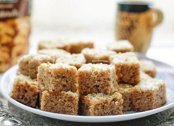 Deze eenvoudige walnoten cake heeft een subtiele smaak en is een grote favoriet bij ons thuis. De fijngehakte walnoten in de cake maakt de cakelekker nootachtig en vol van smaak!Met een eenvoudige…