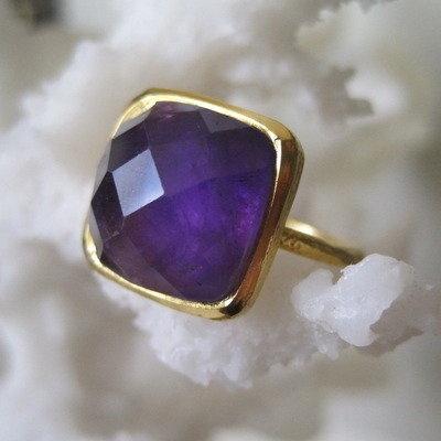amathyst gold ring