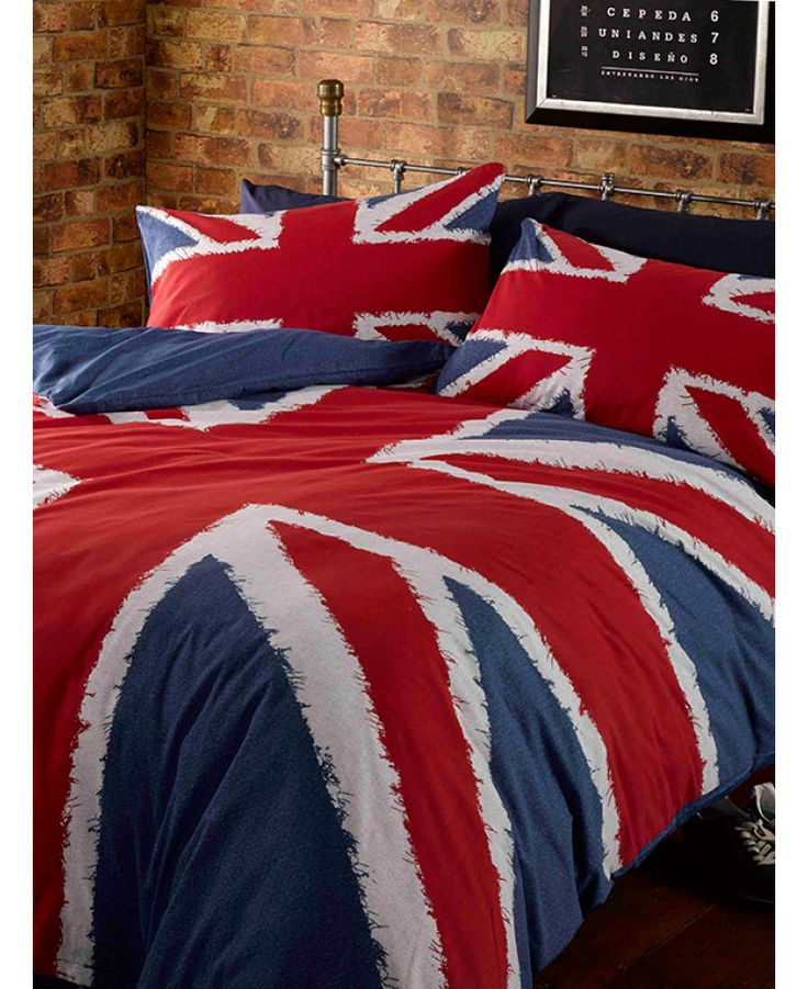 This Union Jack Single Duvet Cover and Pillowcase Set is made from a polycotton blend and features a bold red, white and blue Union Jack design. Free UK delivery available