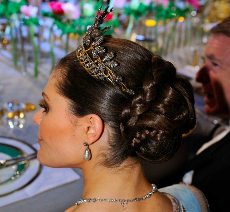Princess Wedding Hairstyles: 60 Best Royal Hair Images On Pinterest