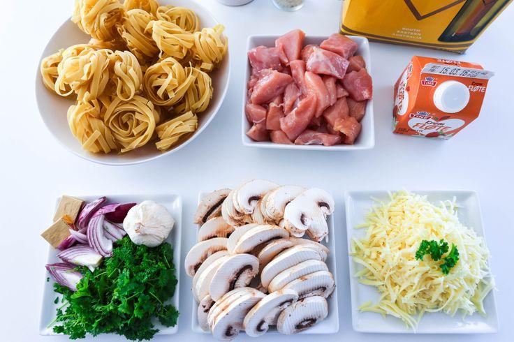 Tagliatelle med kylling og fløtesaus