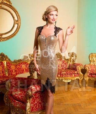 Rochia Chanttal Royal Passion este un model rafinat si elegant, accesorizat cu paiete aurii. Modelul este decoltat la spate. Rochia se poate purta la baluri, petreceri, nunti.