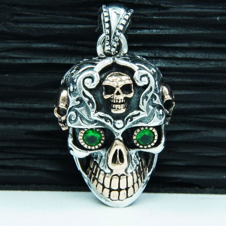 Stailess Steel Suger Skull Ring Green Eyes