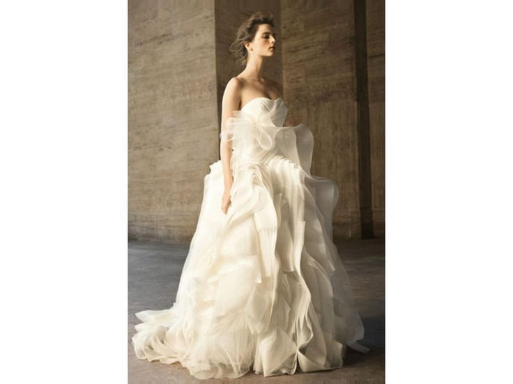 pre owned designer wedding gowns