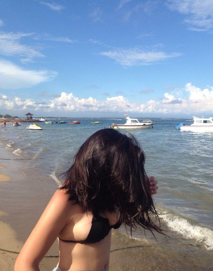 The beach babe
