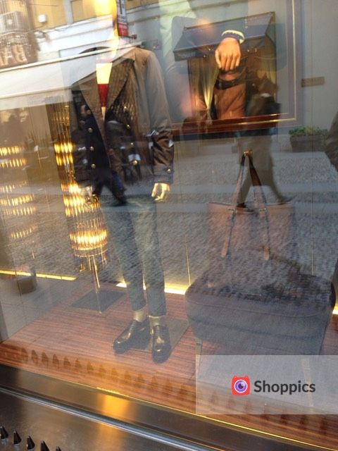 Window shopping at @gucci for men in Milan! Check out: http://www.shoppics.com/s/gucci-uomo/COiq38EOlu