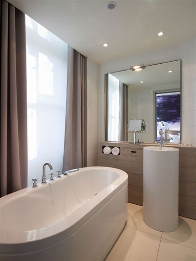 le grand balcon ,toulouse more details: www.grandbalconhotel.com