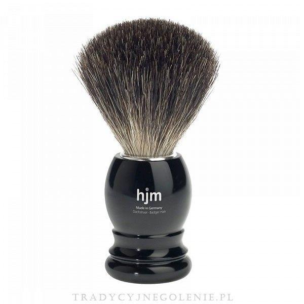 Pędzel do golenia z prawdziwym włosiem z borsuka. Rączka w czarnym kolorze. Na rączce logo HJM. Włosie z sierści borsuka posiada zdolność zatrzymywania dużej ilości wody, dzięki temu można wytworzyć pianę do golenia niezwykle szybko i łatwo. Pędzel wykonany w Niemczech przez wykwalifikowanych rzemieślników.