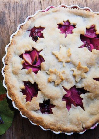 beautiful leaf cut-out idea! Grape and Apple Pie from Bon Appétit. Photograph by Hirsheimer & Hamilton.: Fun Recipes, Desserts Recipes, Apples Pies, Pies Crusts, Autumn Leaves, Pies Recipes, Bon Appetit, Grape Apples, Apple Pies