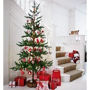 Trendy Nordic woodland Christmas tree for your home | Home Gems