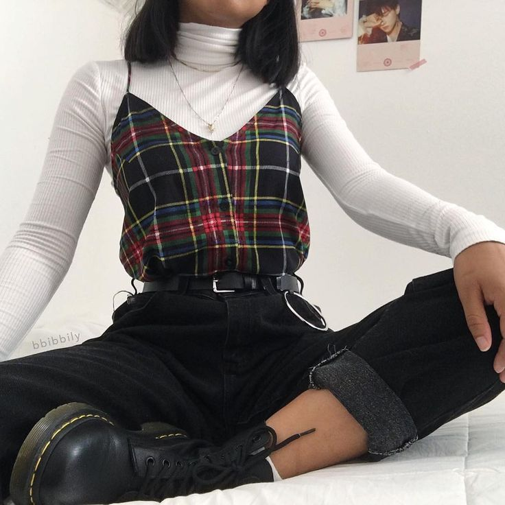 90s Outfit Women In 2020 Fashion Inspo Outfits Edgy Outfits Retro Outfits