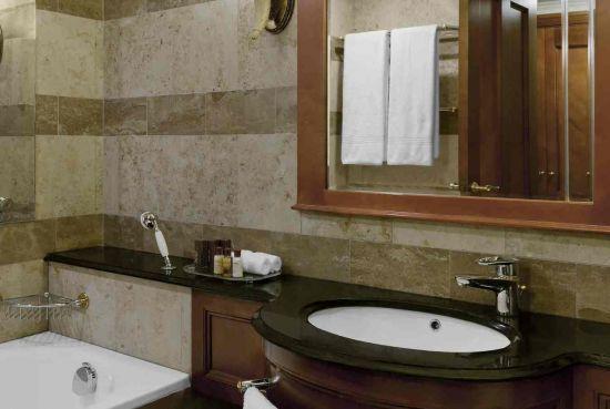 Take a Relaxing Bath - Sheraton Pretoria Hotel