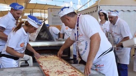 record pizza expo 2015 italy